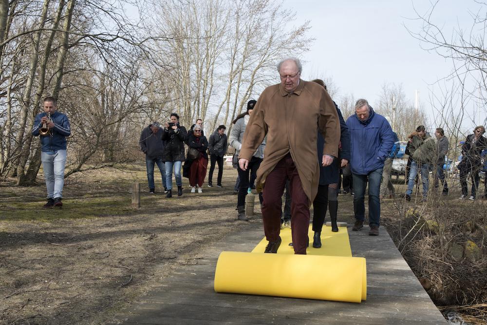 Vandaag gaf wethouder Frits Huis samen met bewoners en ondernemers uit Almere Poort het startsein voor een reeks activiteiten die de culturele uitstraling van Almere de komende jaren versterkt